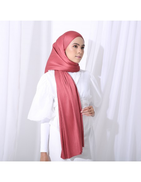 Tudung Irys Satin Pleats Shawl in Brick - 2 Mataa Hijab