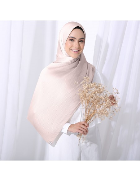 Tudung Irys Satin Pleats Shawl in Beige Pink - 1 Mataa Hijab