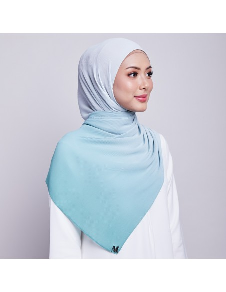 Ayna Pleats Shawl in Laurel
