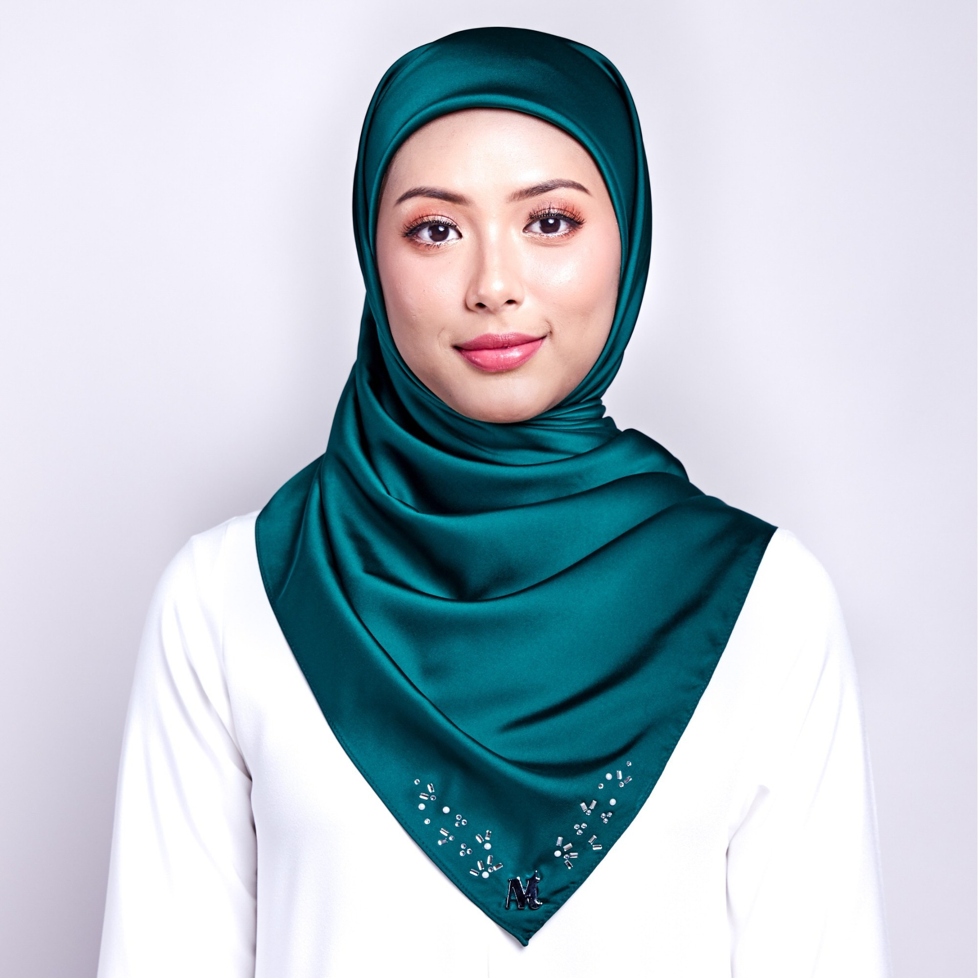 Tudung Kayla Satin Square in Emerald Green - 1 Mataa Hijab